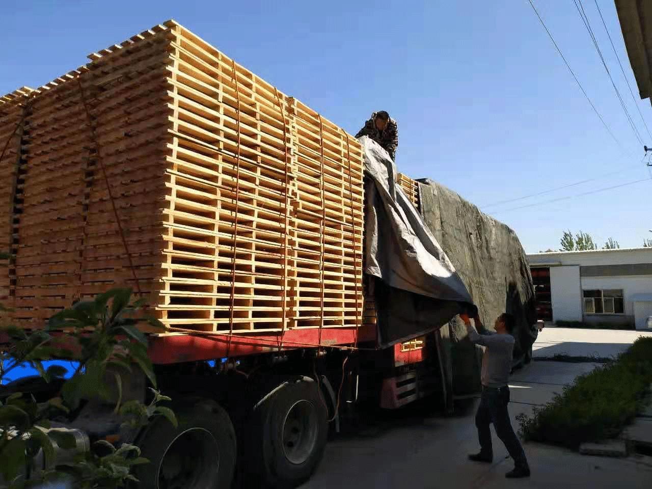 安徽阜阳某建材公司专属设计木质托盘